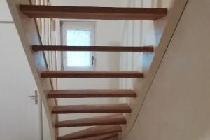 poncage d un escalier en meranti